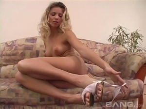Alessia Romei and Kelli open their legs for a huge black dick