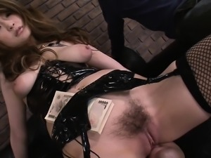 Asian chick gets plowed and her pussy squirts