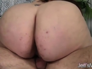 Fat ass Jayden Heart takes fat cock