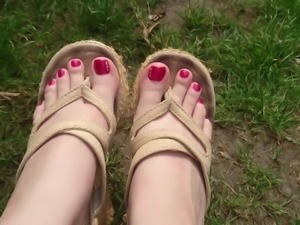Foot fetish tease, well worn shoes, toes outdoors