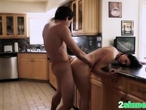 Hot kitchen sex with stunning cougar India Summer