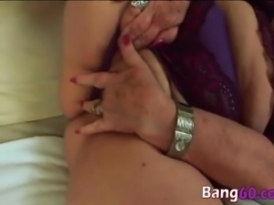 Dominika gets her mature cunt hammered